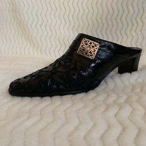 Brighton black embroidered slip on booties 7.5N